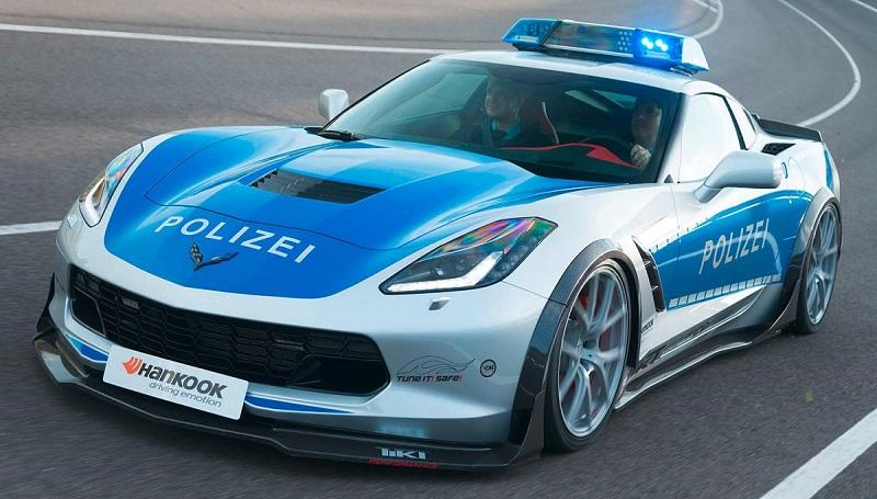 Полицейский Chevrolet Corvette