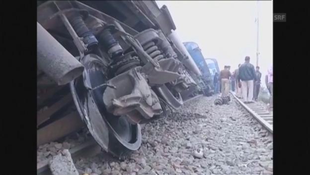 Отовсюду обо всем: Крушение поезда на севере Индии: более 90 жертв