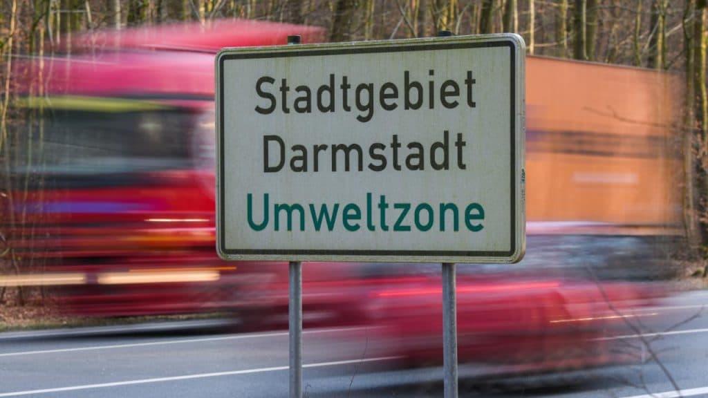 Общество: Еще один немецкий город вводит ограничения на въезд дизельным авто