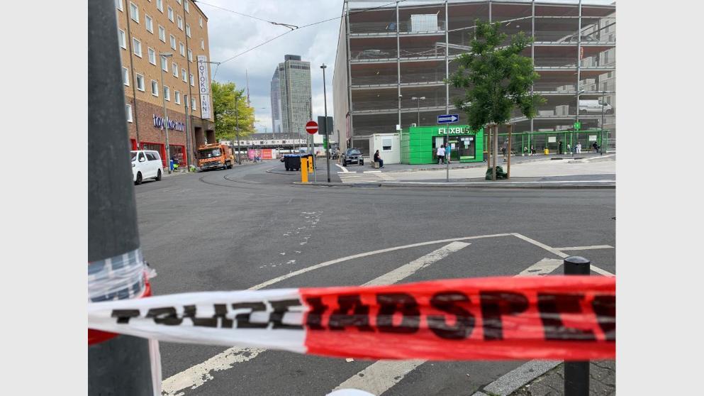 Происшествия: Ножовое нападение во Франкфурте: жертва прополза 50 метров, пытаясь найти помощь